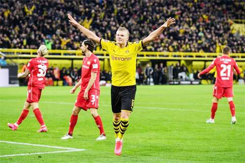Haaland đã ghi tới 9 bàn chỉ sau 7 lần ra sân cho Dortmund mùa này.