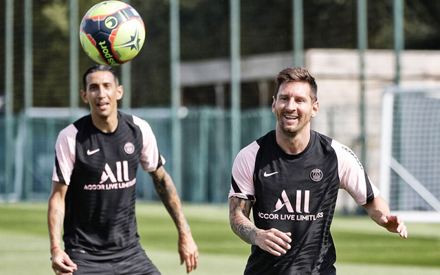 Messi nhận được tình cảm ưu ái từ các đồng đội mới ở PSG