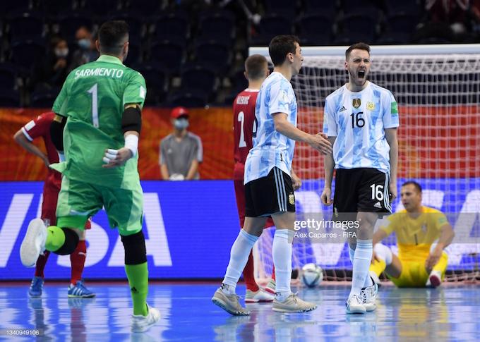 Niềm vui của tuyển Argentina khi giành chiến thắng trước Serbia