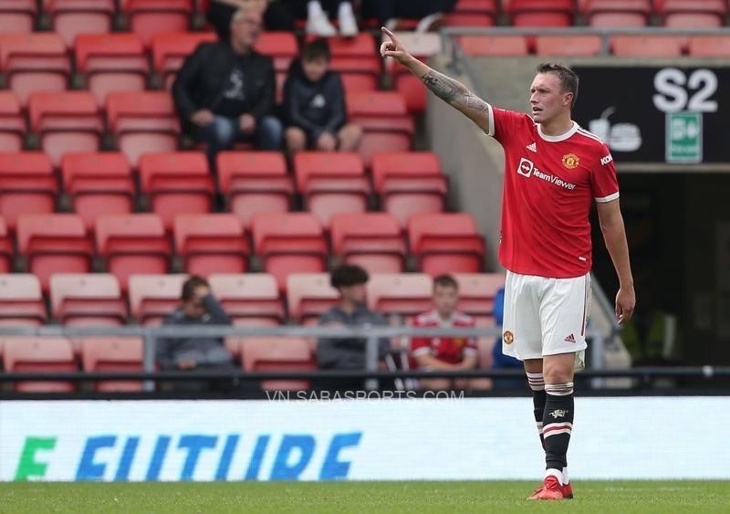 Jones vừa chơi trọn 90 phút trong màu áo U23 Man United