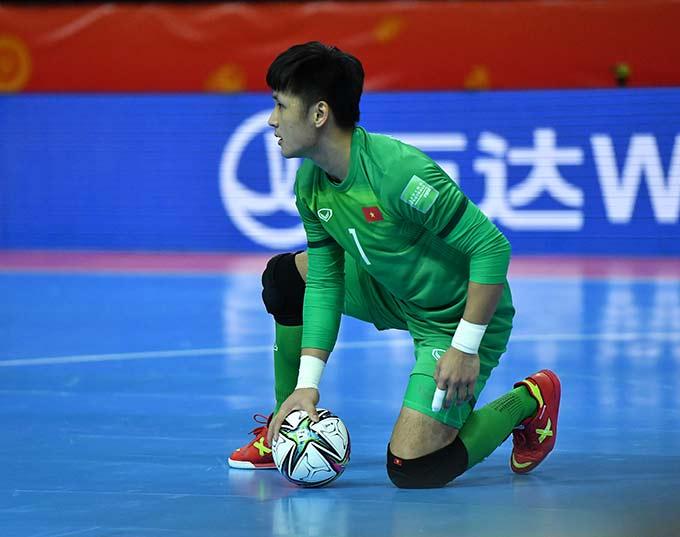 Hồ Văn Ý tiếp tục phong độ ấn tượng giúp ĐT futsal Việt Nam giành quyền vào vòng 1/8 World Cup - Ảnh Quang Thắng
