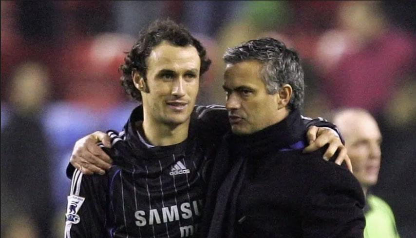Mourinho và Carvalho đã cùng nhau sát cánh trong 3 màu áo khác nhau