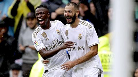 Benzema & Vinicius: Đối tác vàng trên hàng công Real