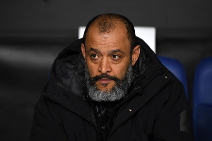 Santo bất lực nhìn Tottenham sụp đổ trong hiệp 2