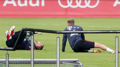 Cầu thủ Bayern triệt hạ nhau trên sân tập