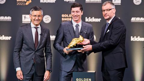 Lewandowski nhận giải thưởng Chiếc giày vàng châu Âu