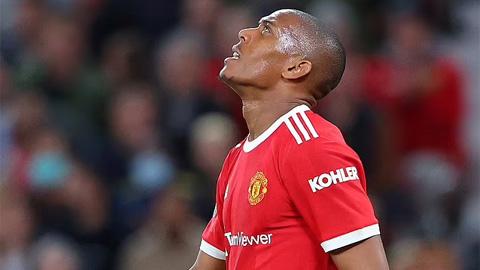 Martial bị 'ném đá' bởi màn trình diễn tệ hại trước West Ham