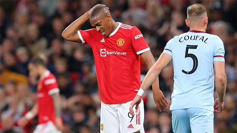 Martial bị chỉ trích thậm tệ sau trận thua của Man United