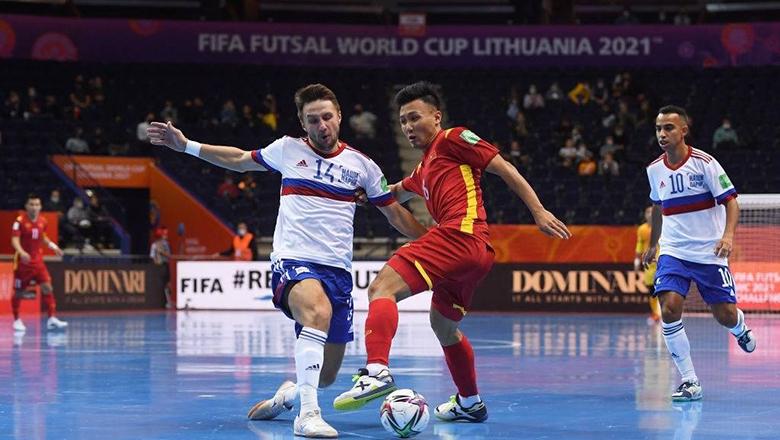 7 giây rúng động của Gấu Nga trước Futsal Việt Nam