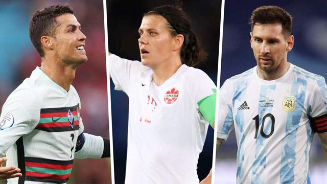 Sinclair (giữa), từ số bàn thắng đến số lần khoác áo ĐTQG đều vượt trội so với 2 siêu sao nam Ronaldo và Messi
