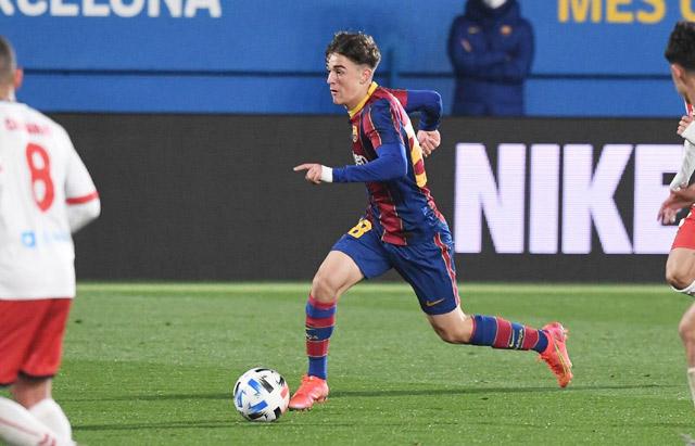 """Gavi có nhiều tố chất để trở thành """"Iniesta mới"""" ở Barca!"""