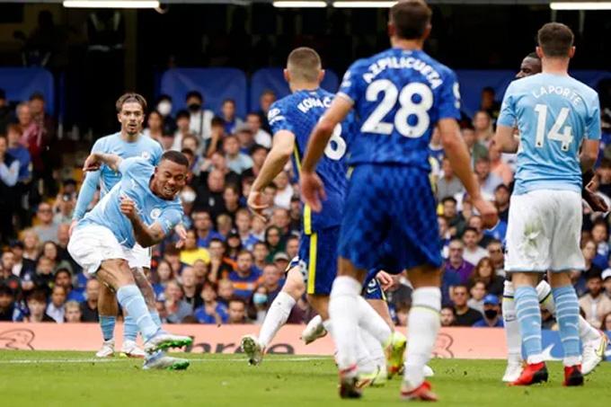 Jesus ghi bàn duy nhất cho Man City
