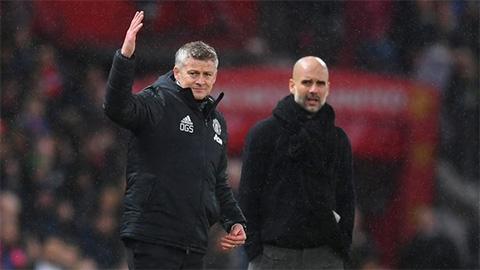 Tại sao MU và Man City cùng đá trận sớm hôm thứ Bảy?