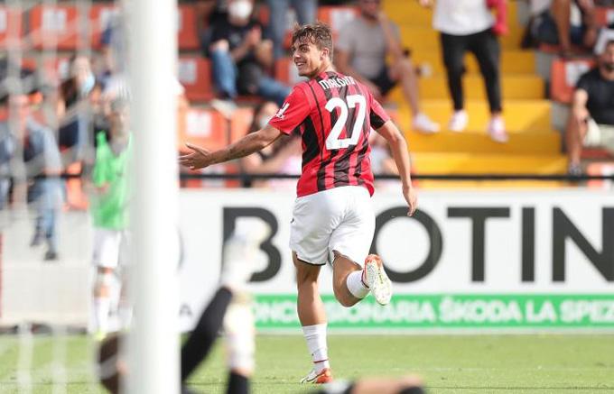 Daniel Maldini ghi bàn mở tỷ số trận Spezia vs Milan