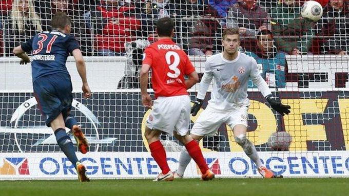 Schweinsteiger góp công trong chiến thắng 2-0 của Bayern trước Mainz