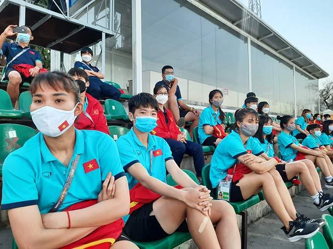 ĐT nữ Việt Nam xem giò Tajikistan
