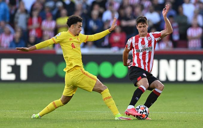 Liverpool run rấy lên đỉnh Ngoại hạng Anh sau trận hòa tân binh Brentford