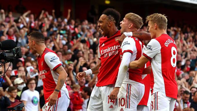Arsenal hồi sinh mạnh mẽ với màn hủy diệt Tottenham