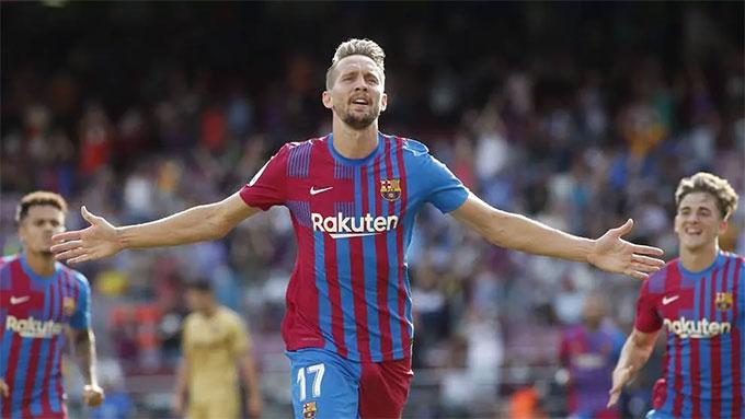 De Jong đã có được bàn thắng đầu tiên cho Barca