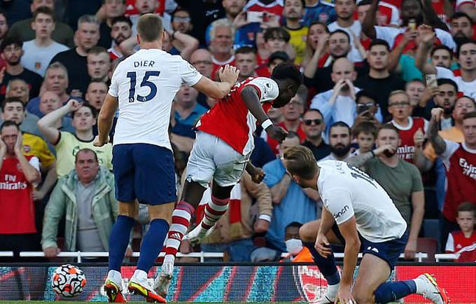 Kane chơi quá tệ ở trận Arsenal vs Tottenham