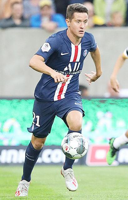 Ander Herrera lập cú đúp ở trận PSG đè bẹp Clermont 4-0 tại vòng 5 Ligue 1