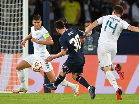Messi lập siêu phẩm để có bàn thắng đầu tiên cho PSG