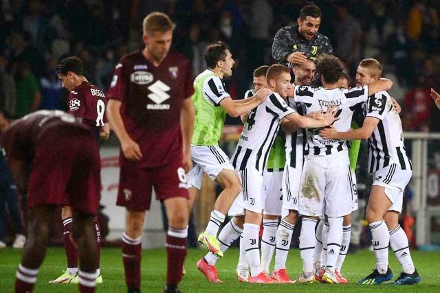 Juventus chỉ thắng sát nút đối thủ khó chịu Torino ở phút cuối trận