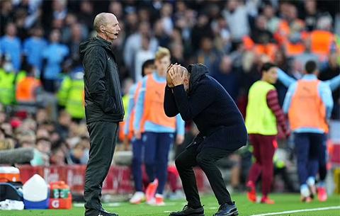 Những phản ứng của Pep Guardiola với trọng tài bàn