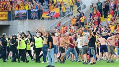 Lille, Lens và Marseille cùng bị án treo trừ 1 điểm