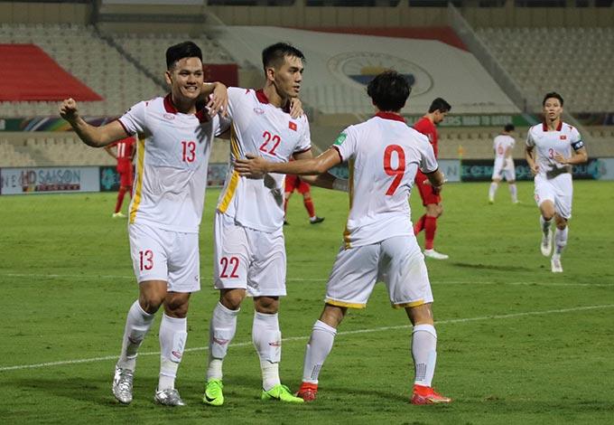Tấn Tài và Tiến Linh đã có trận đấu ấn tượng khi cả 2 đều ghi bàn. Ảnh: Ted Trần