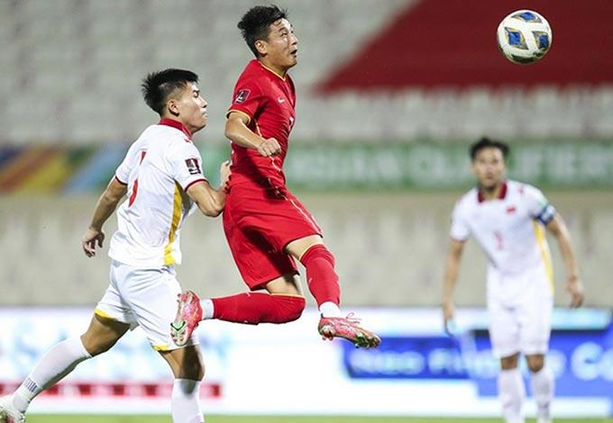 Thanh Bình đã không thể theo kèm Wu Lei ở 2 bàn thua