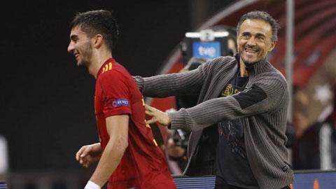 Tiền đạo Ferran Torres (Tây Ban Nha): 'Luis Enrique giống như người cha của tôi'