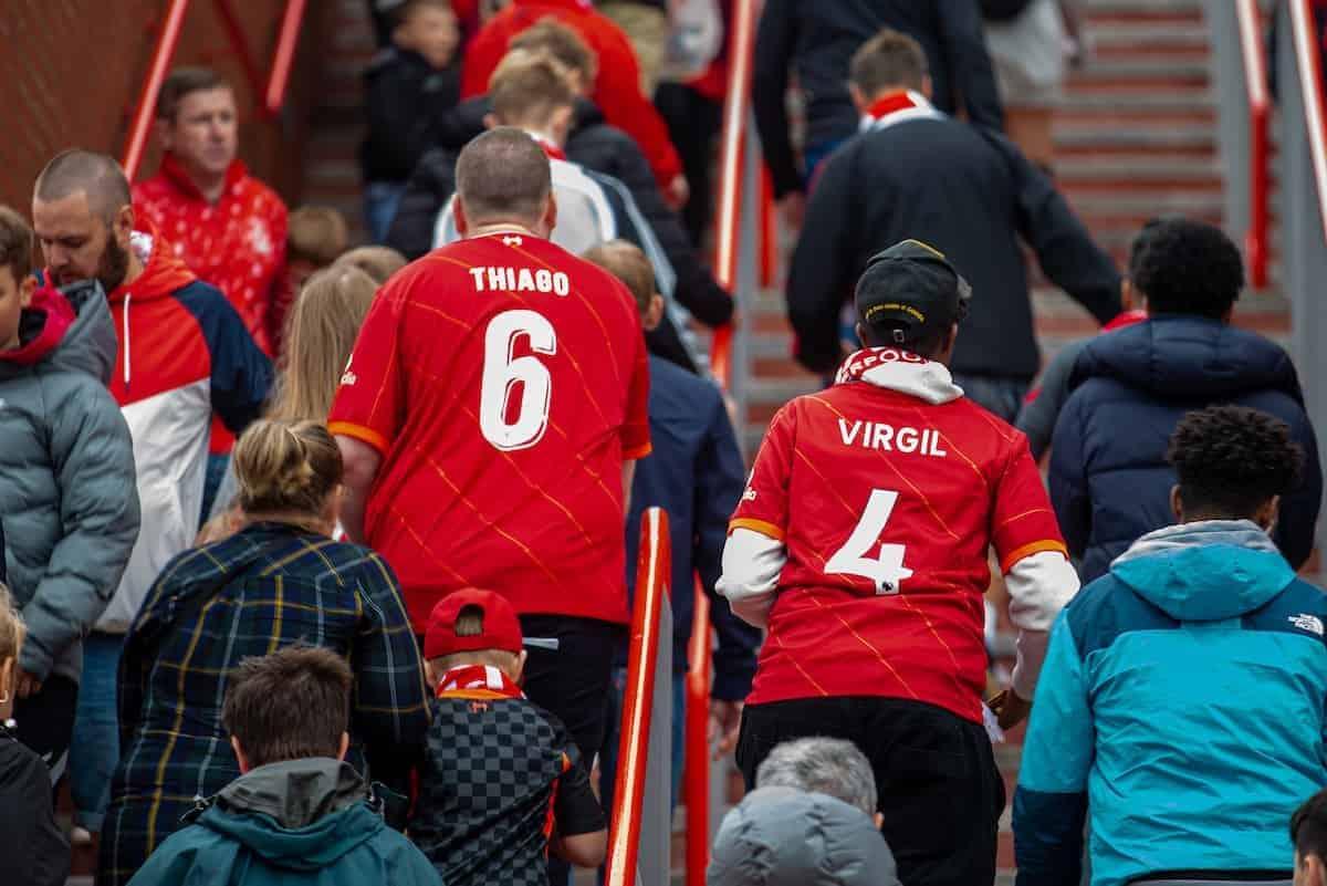 Liverpool được cho là đã hạ giá vé để đưa khán giả đến sân xem bóng đá, ăn uống thay vì tiêu tiền ở quán bar