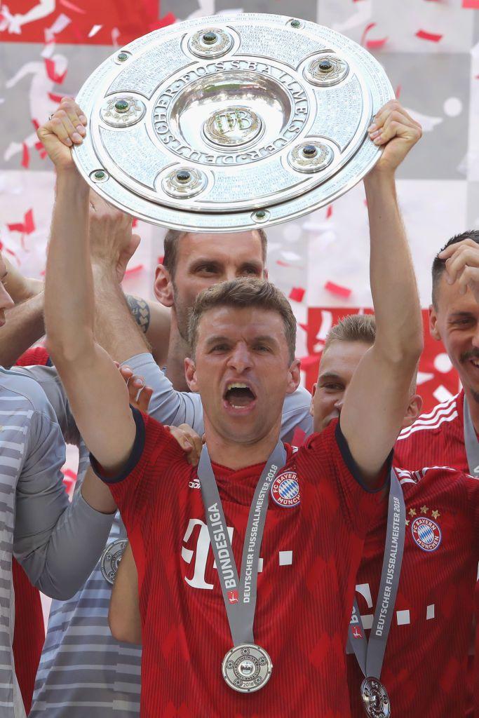 Cùng với Bayern Munich, Mueller đã đoạt được 10 Đĩa Bạc, và sẽ trở thành cầu thủ Bayern vô địch Bundesliga nhiều nhất nếu bảo vệ thành công danh hiệu ở mùa này