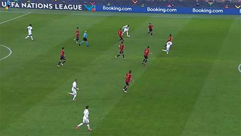 Tranh cãi nổ ra ở bàn thắng đưa Pháp vô địch của Mbappe