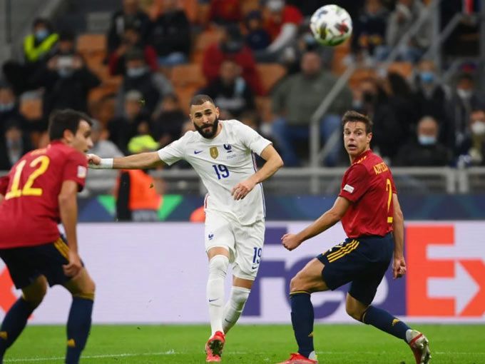Bàn thắng tuyệt đẹp của Benzema vào lưới Tây Ban Nha