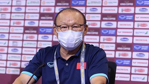 HLV Park Hang Seo phản pháo lại chỉ trích của bầu Hiển