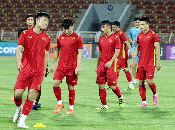 HLV Park Hang Seo lo ngại bị Oman do thám