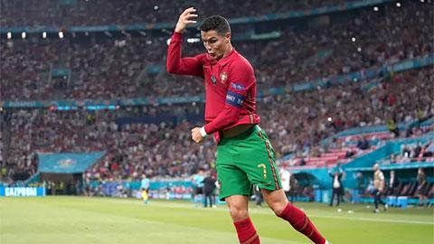Ronaldo cán mốc 800 bàn trong sự nghiệp