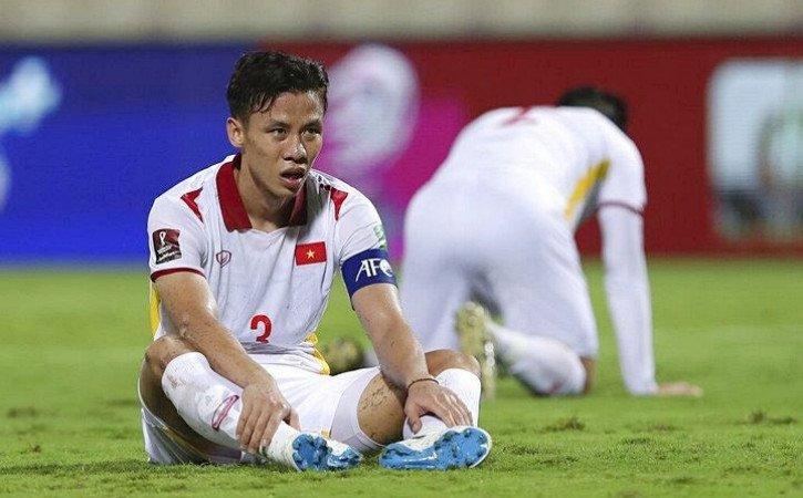 Ngoài nỗi đau thua trận, các tuyển thủ Việt Nam còn đang bị nỗi cô đơn bao phủ