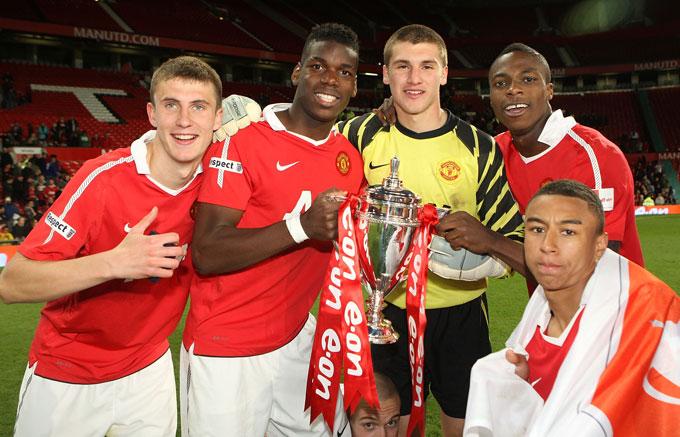Cofie từng giành FA Youth Cup với những Pogba và Lingard