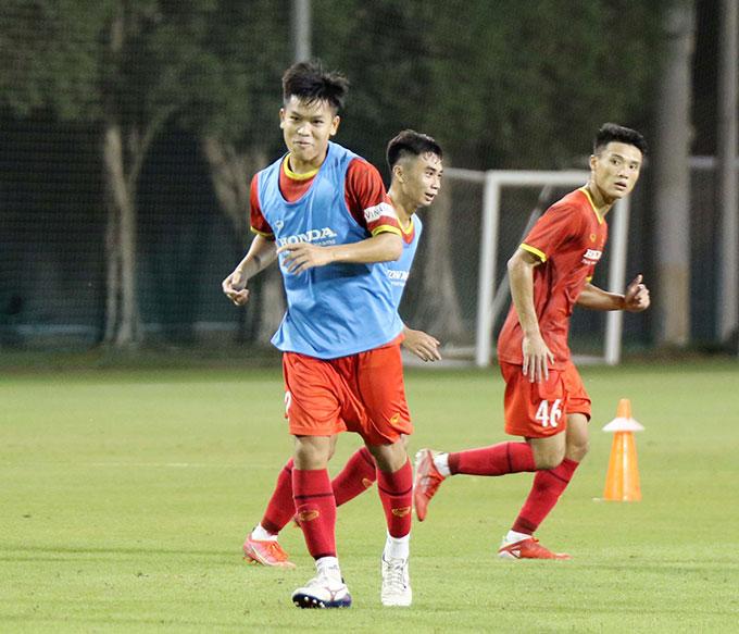 Do thường xuyên được luân chuyển giữa ĐT Việt Nam và ĐT U23 Việt Nam nên bộ đôi cầu thủ này đã bắt nhịp rất nhanh với guồng quay mới.