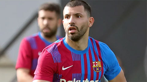 Aguero ra mắt Barca