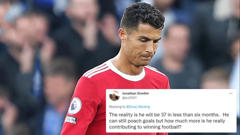 Fan MU chia rẽ, người khen, kẻ chê Ronaldo