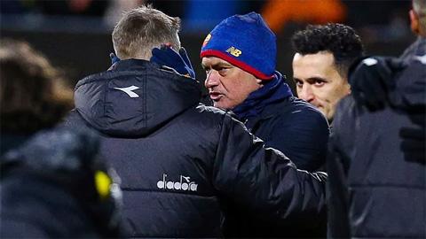 Mourinho đổ tại lực lượng yếu sau trận thua nhục nhã của Roma